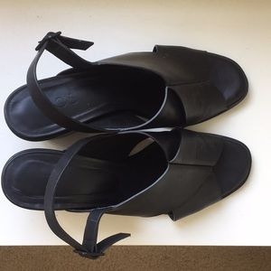 COS black leather strap sandals size EU40 US8.5